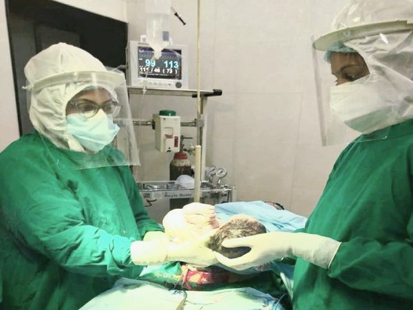 જનરલ હોસ્પિટલના સંચાલકો દ્વારા બાળક તેમજ માતાનો જીવ બચાવાયો - Divya Bhaskar