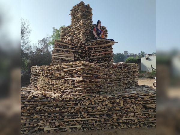 સિદ્ધિ વિનાયક મંદિરમાં 30 ફૂટની ઇકો ફ્રેન્ડલી હોળી પ્રગટાવાશે - Divya Bhaskar