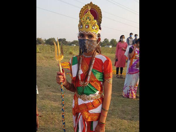 ભારતમાતાએ પણ પહેર્યું માસ્ક - Divya Bhaskar