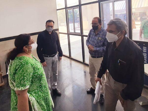 વડોદરામાં 64 નર્સિંગ સહાયકોની સેવા ઉપલબ્ધ થઈ છે - Divya Bhaskar