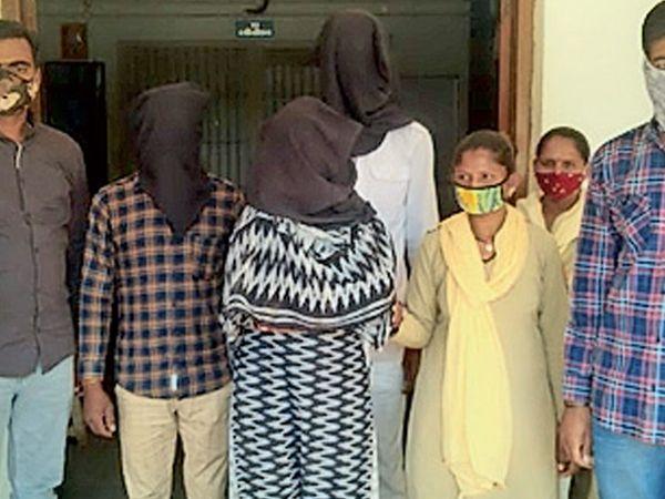 સિદ્ધપુર પોલીસ દ્વારા પકડી પાડવામાં આવેલ આરોપીઓ - Divya Bhaskar