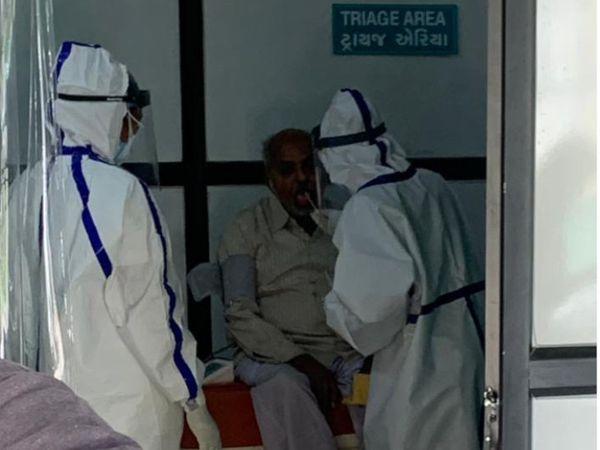 સંક્રમણ વધતા હોસ્પિટલમાં દર્દીઓની સંખ્યામાં પણ વધારો થઈ રહ્યો છે(ફાઈલ તસવીર) - Divya Bhaskar