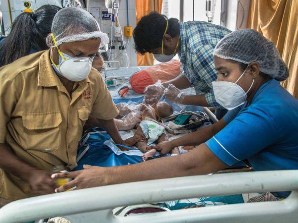 વડોદરાની સયાજી હોસ્પિટલના પીડિયાટ્રીક વિભાગમાં કોરોના સંક્રમિત 3 બાળકોને સારવાર અપાઇ રહી છે(પ્રતિકાત્મક તસવીર) - Divya Bhaskar