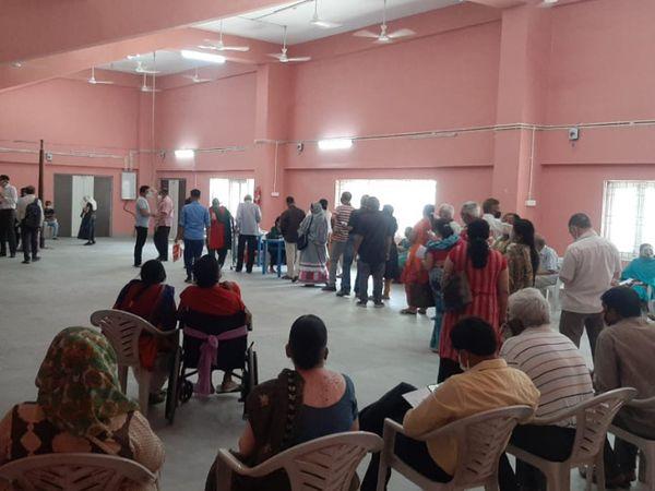 મહારાજા સયાજીરાવ યુનિવર્સિટીમાં પણ કોરોનાના વધી રહેલા કેસોને પગલે ભયનો માહોલ ફેલાયો - Divya Bhaskar