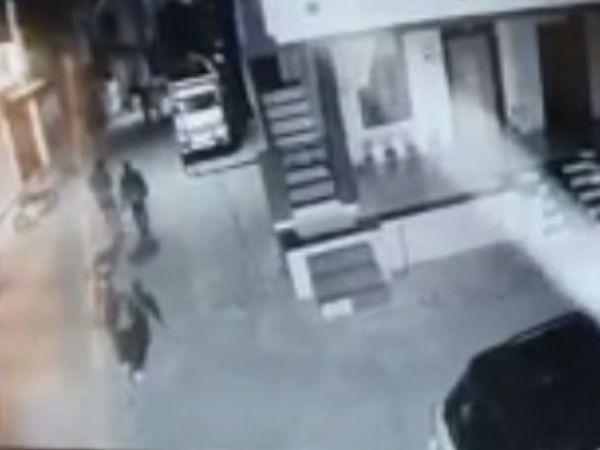 આરોપીઓ CCTVમાં કેદ થઈ ગયા હતાં.