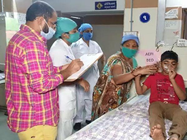 બાળકને ગંભીર ઈજાઓ પહોચતા વડોદરાની સયાજી હોસ્પિટલમાં સરવાર હેઠળ ખસેડવામાં આવ્યો હતો