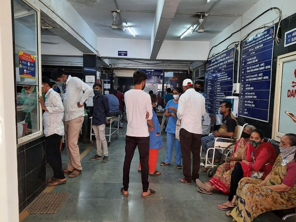 આઈસોલેશન વોર્ડમાં દર્દીઓની ભીડ - Divya Bhaskar