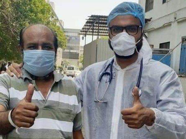 નવી સિવિલ હોસ્પિટલના ડો. આદિત્ય ભટ્ટે જબ્બરસિંહની સારવાર કરી. - Divya Bhaskar