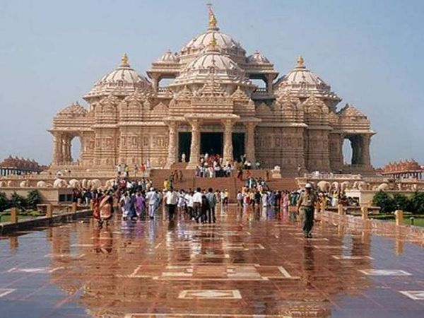 ગાંધીનગર અક્ષરધામ મંદિર ( ફાઈલ ફોટો) - Divya Bhaskar