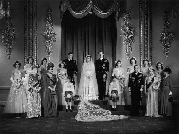 यहाँ महारानी और राजकुमार की शादी के समय की एक तस्वीर है (फाइल फोटो)