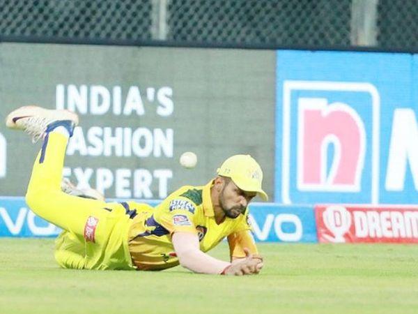 10 वें ओवर की तीसरी गेंद पर पृथ्वीराज गायकवाड़ द्वारा पृथ्वी का दूसरा कैच छोड़ा गया।  यह ओवर भी मोइन का था और पृथ्वी 47 रन पर खेल रहे थे।