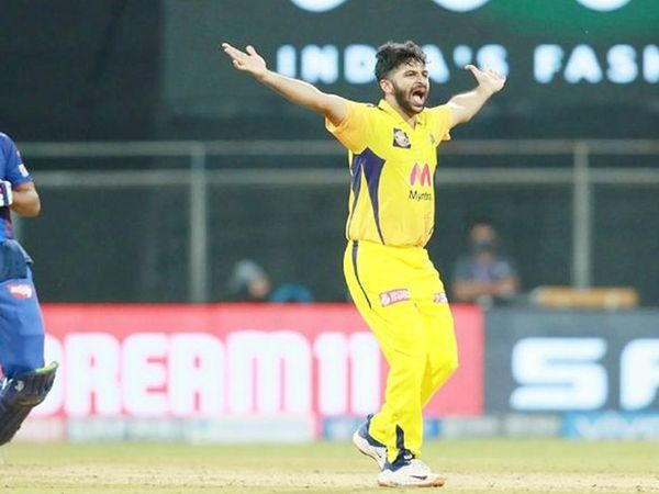 चेन्नई के एकमात्र तेज गेंदबाज शार्दुल ठाकुर सफल रहे।  उन्होंने सर्वाधिक 2 विकेट लिए।
