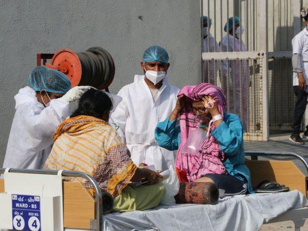 ગામડાંમાં દર્દીઓ વધતાં ઠેર ઠેર લોકડાઉનની સ્થિતિ ( ફાઈલ ફોટો).