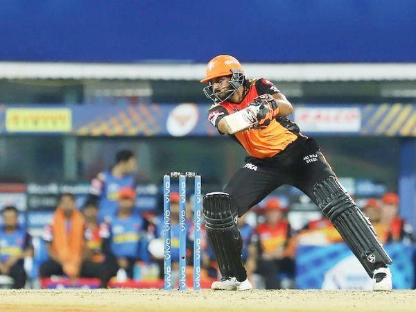विजय शंकर 28 रन पर आउट हुए।  वह आखिरी ओवर में पवेलियन लौटे और इसके साथ ही टीम की जीत की उम्मीदें पूरी हो गईं।