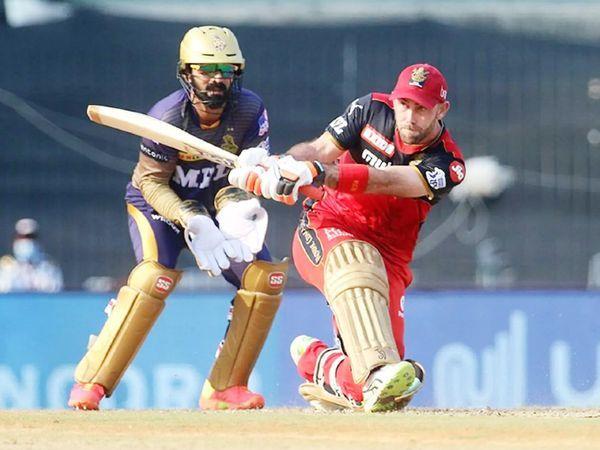 बेंगलुरु के ग्लेन मैक्सवेल ने 49 गेंदों में 78 रन बनाए।  यह उनका 8 वां अर्धशतक है।