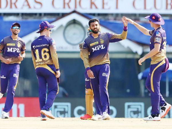 वरुण चक्रवर्ती टीम इंडिया के फिटनेस टेस्ट में असफल रहे, हालांकि उन्होंने RCB के खिलाफ एक ही ओवर में 2 विकेट लिए।