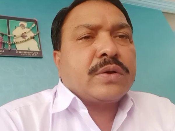 कांग्रेस पार्षद वशराम सगठिया ने थोरला पुलिस स्टेशन में आवेदन दिया।
