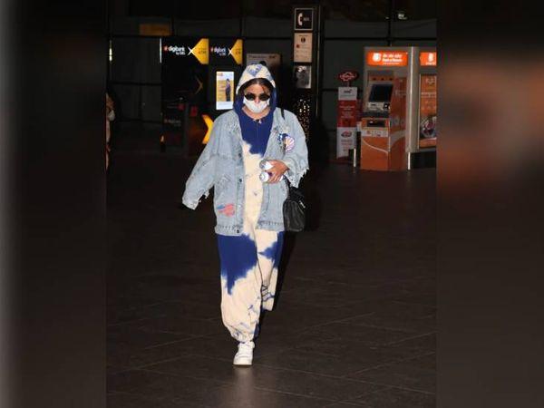 अभिनेत्री मंगलवार रात मुंबई से श्रीनगर पहुंची