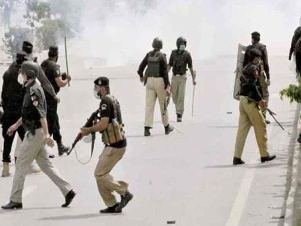 पाकिस्तानी पुलिस ने तहरीक-ए-लुबक के कई कार्यकर्ताओं को गिरफ्तार किया, लेकिन सरकार के इशारे पर उन्हें रिहा कर दिया।