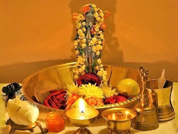હનુમાનજીની પૂજાથી કાનૂની મામલાઓમાં વિજય પ્રાપ્ત થાય છે. તેમની પૂજાથી દેવું પણ ઊતરી જાય છે.