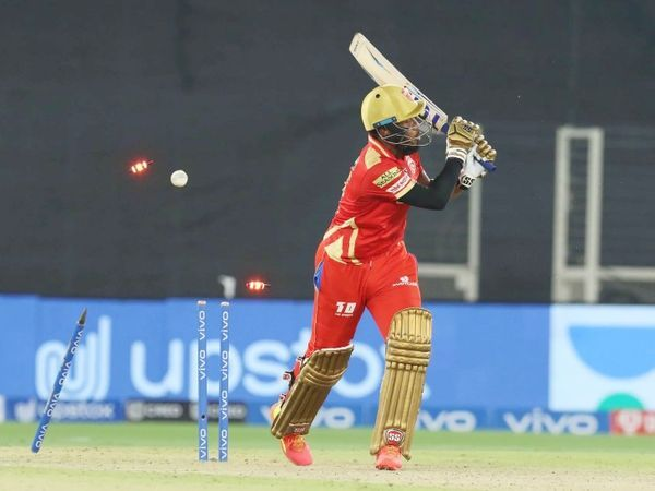 क्रिस जॉर्डन 18 गेंदों में 30 रन बनाकर आउट  उन्होंने 3 छक्के लगाए।  तेज गेंदबाज कृष्णा ने अपना तीसरा विकेट लिया और गेंदबाजी की।