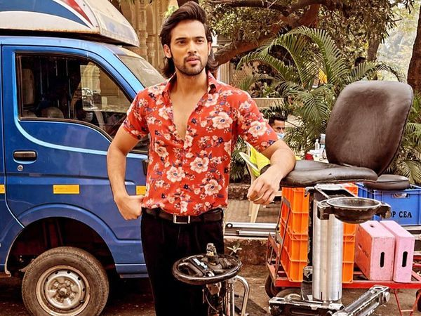 પાર્થ ટૂંક સમયમાં 'ગંગુબાઈ કાઠિયાવાડી' ફિલ્મથી  બોલિવૂડ ડેબ્યુ કરવાનો છે - Divya Bhaskar