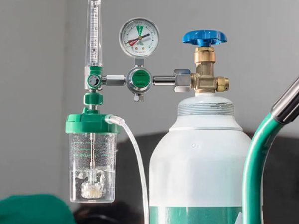 विदेशों में रहने वाले डोनरों ने धनेरा में ऑक्सीजन मशीनें भेजीं