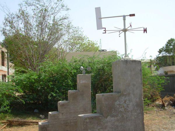 પાછલા એક અઠવાડિયાથી પવન, આંધી અને વરસાદી ઝાપટા વચ્ચે પાટડીમાં હવામાન ખાતાના સાધનો મુર્છિત હાલતમાં - Divya Bhaskar