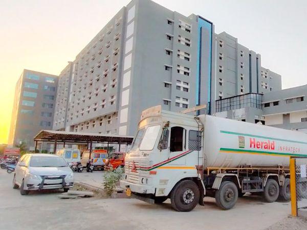 જૂનાગઢ સિવીલ હોસ્પીટલની તસ્વીર - Divya Bhaskar