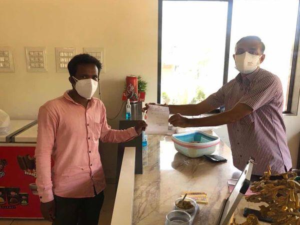 કલોલના કપિલેશ્વર મંદિરમાં કોરોના તથા અન્ય દર્દીઓ માટે મફત ભોજન વ્યવસ્થા કરવામાં આવતા પ્રશંસા થઈ રહી છે. - Divya Bhaskar