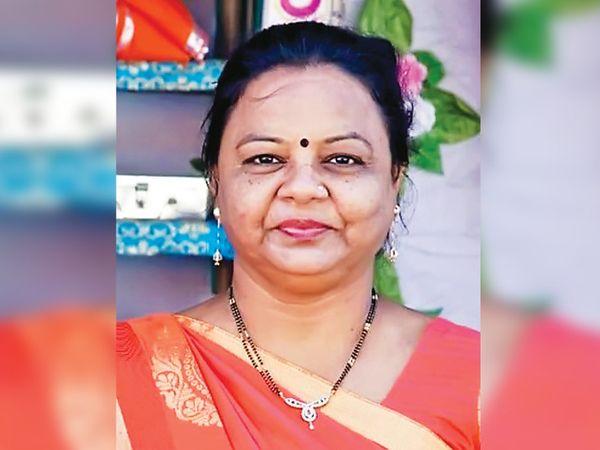 મીનાબેન દેસાઇની તસવીર - Divya Bhaskar