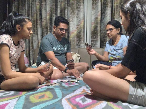 હોમ ક્વોરન્ટાઇનમાં પરિવાર સાથે રમત રમતાં રમતાં કોરોનાને મ્હાત આપી - Divya Bhaskar