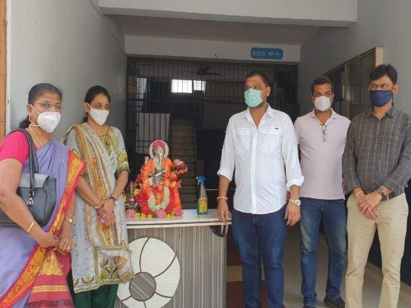 આગામી સમયમાં જરૂર પડશે તો 300 જેટલા દર્દીઓ સારવાર કરાવી શકે તેવી પણ વ્યવસ્થા કરવામાં આવશે. - Divya Bhaskar