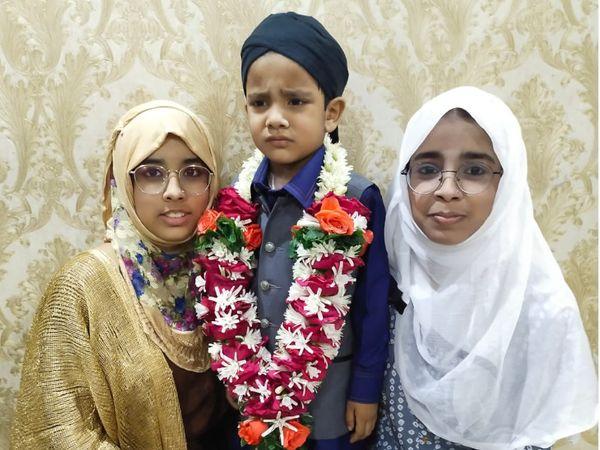 બાળકે રોઝો રાખતા તેના પરિવારજનોે પણ હિંમત આપી હતી. - Divya Bhaskar