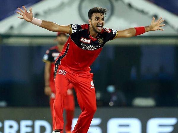हर्षल पटेल (RCB) इस सीजन में अब तक का सबसे तेज विकेट लेने वाला गेंदबाज है।
