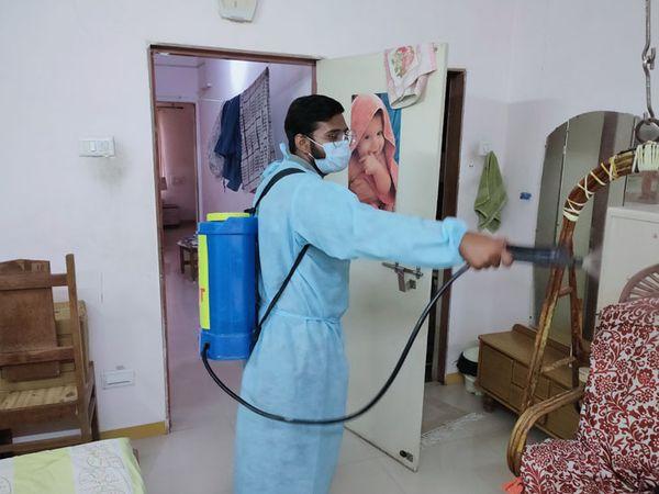 ઘરમાં અન્ય કોઇને ફરી સંક્રમણ ન લાગે તે માટે હોમ સેનિટાઈઝેશનની સેવા શરૂ કરાઇ છે - Divya Bhaskar