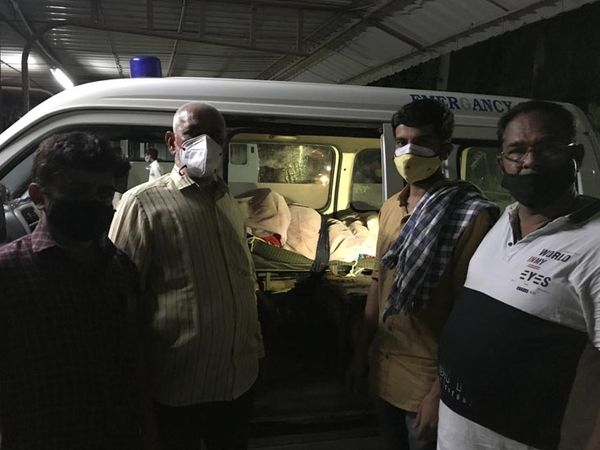 સોની પરિવારને મૃતદેહ ફરી હોસ્પિટલે લઈ જવો પડ્યો. - Divya Bhaskar
