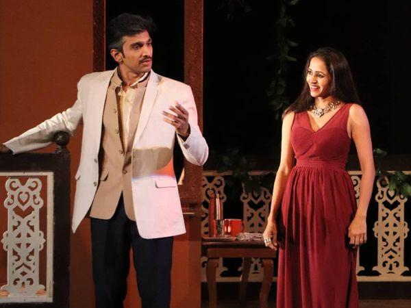 नाटक 'सर सर सरला' के दौरान प्रतीक गांधी और भामिनी ओझा