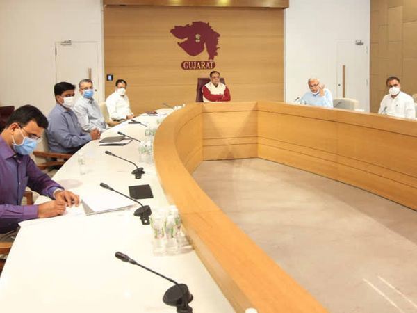 સરકારે છત્રછાયા ગુમાવનાર બાળકોને સુરક્ષા કવચ પુરુ પાડવાનો નિર્ણય લીધો - Divya Bhaskar