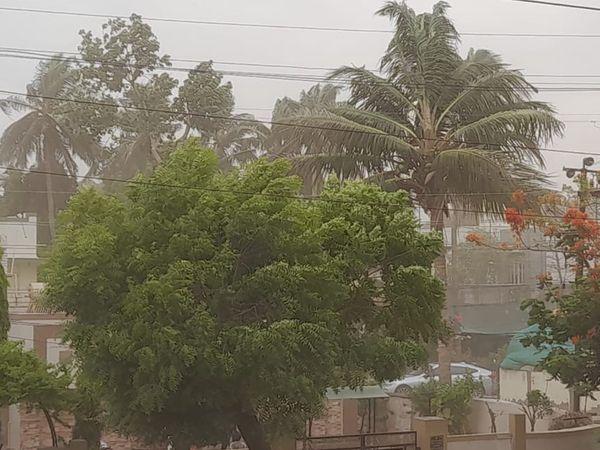 ભાવનગરમાં ઝંઝાવાતી પવનો ફૂકાયા ધૂળની ડમરીઓ આકાશમાં ઊંચે સુધી ઉડી