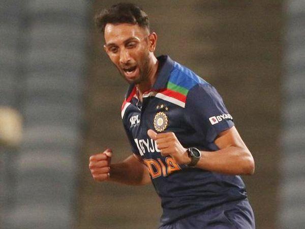 प्रसिद्ध ने इंग्लैंड के खिलाफ अपने पहले वनडे में 4 विकेट लिए।