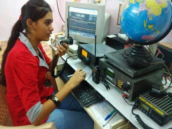 ગુજરાતની સૌથી નાની વયે આ માટેની પરીક્ષા પાસ કરનાર સાક્ષી વાગડીયા રાજકોટની. - Divya Bhaskar