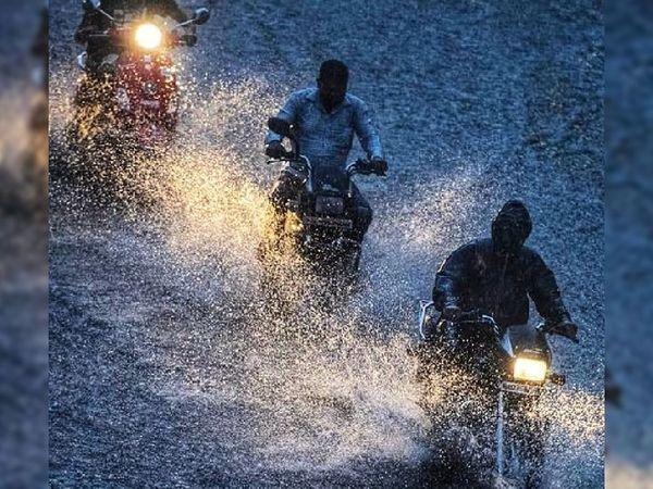 સિરોહીમાં વરસાદ શરૂ, ઘણી જગ્યાએ પાણી ભરાયાં.