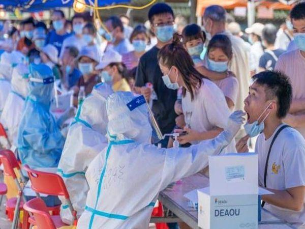 नया हाइब्रिड वेरिएंट तेजी से म्यूटेटिंग कर रहा है और संभव है कि वियतनाम में कोरोना के मामले तेजी से बढ़ रहे हों।