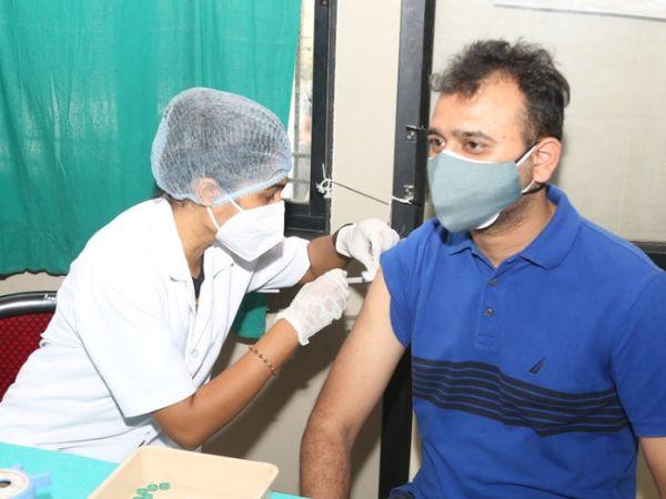 પાલિકા દ્વારા અપાતી રસીનો લોકો લાભ લઈ રહ્યા છે.