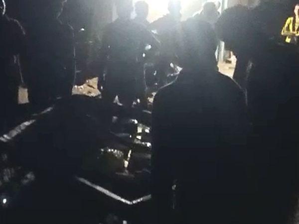 રાત્રિ કર્ફ્યૂમાં એકત્ર થઇને કેક કાપી બર્થ ડેની ઉજવણી કરવામાં આવી હોવાનો વીડિયો વાઇરલ થયો