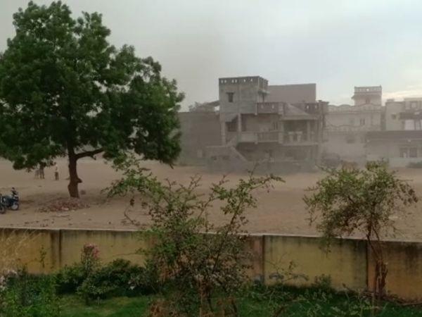 અમદાવાદમાં પણ હળવા વરસાદની શક્યતાઓ વ્યક્ત કરવામાં આવી છે ( ફાઈલ ફોટો)