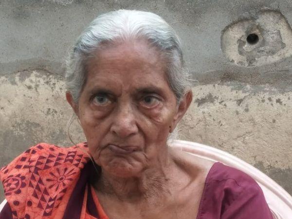 રસીનો 50નો સ્લોટ પૂરો થતાં વેક્સિન લીધી નથી : કલાવતીબેન - Divya Bhaskar