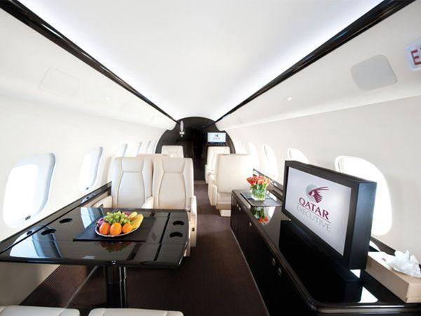 વિમાનનો એક કલાકનો ઉડાનનો અંદાજિત ખર્ચ રૂ. 9 લાખ છે.