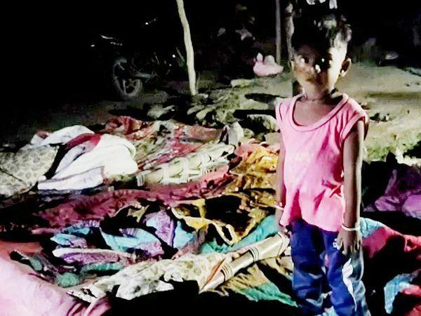 પીપળિયામાં સીમ વિસ્તારમાં બાળકો ભયના ઓથારે જીવે છે. - Divya Bhaskar